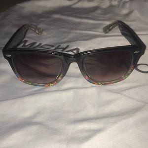 Betsy Johnson flowered ombré sunglasses so cute